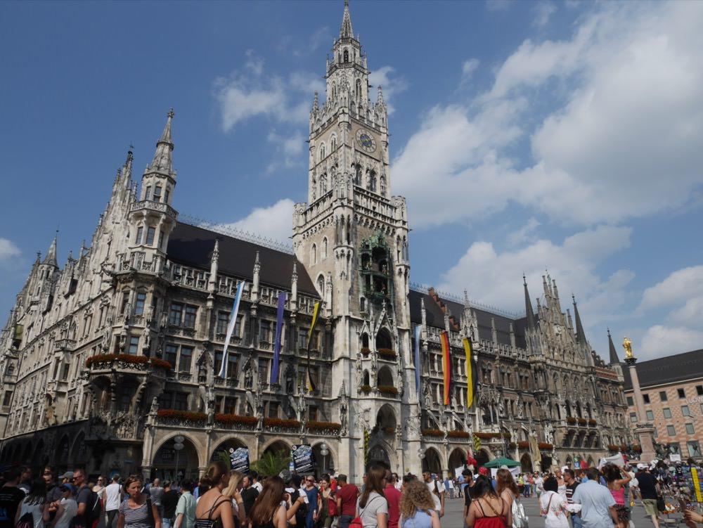 德國|慕尼黑 Marienplatz 瑪麗恩廣場 – 慕尼黑自由行中心點,一次搞懂交通、周邊環境、購物路線!