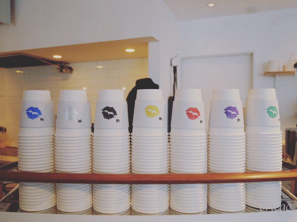 東京|代官山咖啡廳 ink. by CANVAS TOKYO – 2018最新IG打卡必拍,彩色唇印拿鐵
