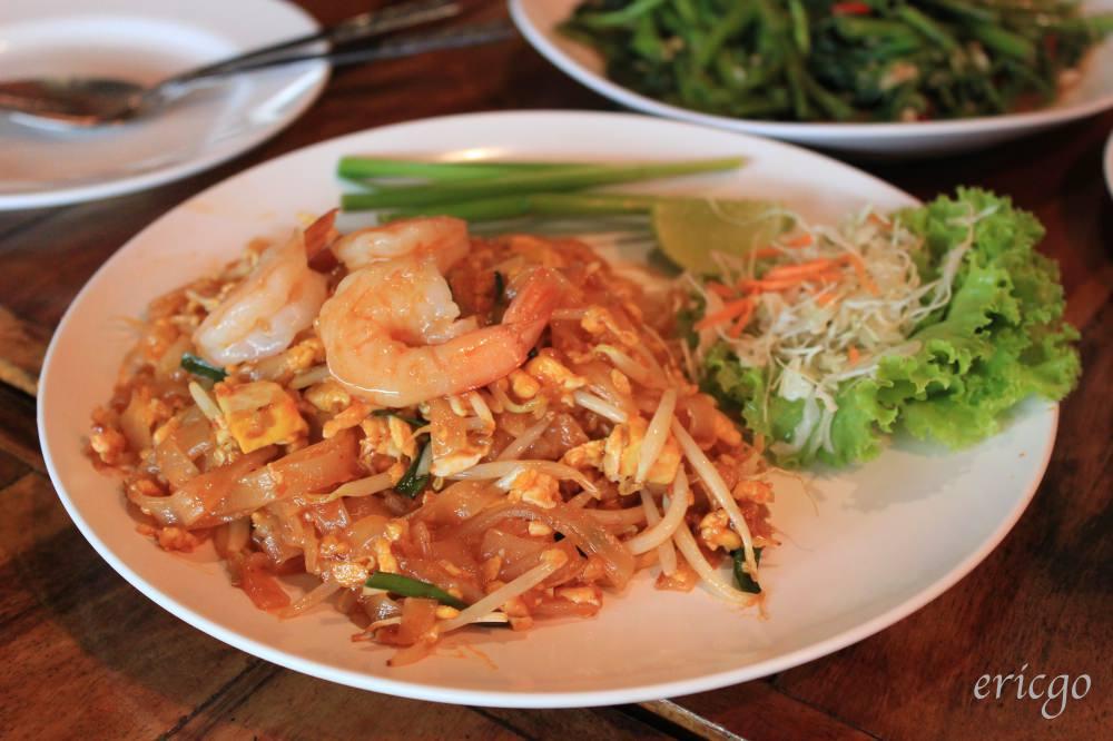 曼谷|Northeast Restaurant – MRT Lumpini站倫披尼公園旁平價美味泰式餐廳推薦