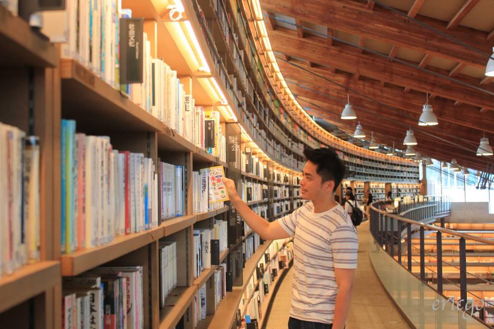 佐賀|武雄市圖書館 – 武雄必去必拍景點推薦,日本最美圖書館之一!