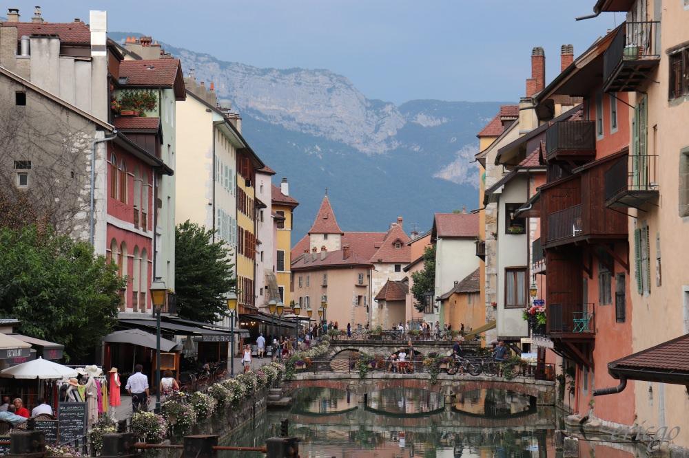 安納西|Annecy 安納西、安錫 – 阿爾卑斯山下的小威尼斯,法國最純淨的湖泊夢幻小鎮