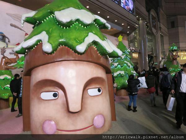 [2013香港] 聖誕特輯 – 銅鑼灣時代廣場阿根廷藝術家Javier Gonzalez Burgos的趣怪聖誕