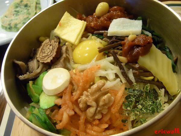 [首爾] 來去明洞吃一回 – 古宮韓式拌飯、百濟蔘雞湯、神仙雪濃湯