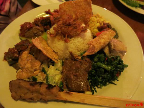 [峇里島] Made's Warung Seminyak 水明漾分店 – 當地人也推薦的峇里島知名餐廳,美味道地印尼菜、印尼傳統巴龍舞蹈表演
