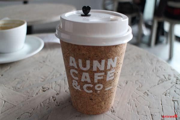 [上海] AUNN CAFE – 南京西路上靜安寺旁、大空間簡約工業風格咖啡廳